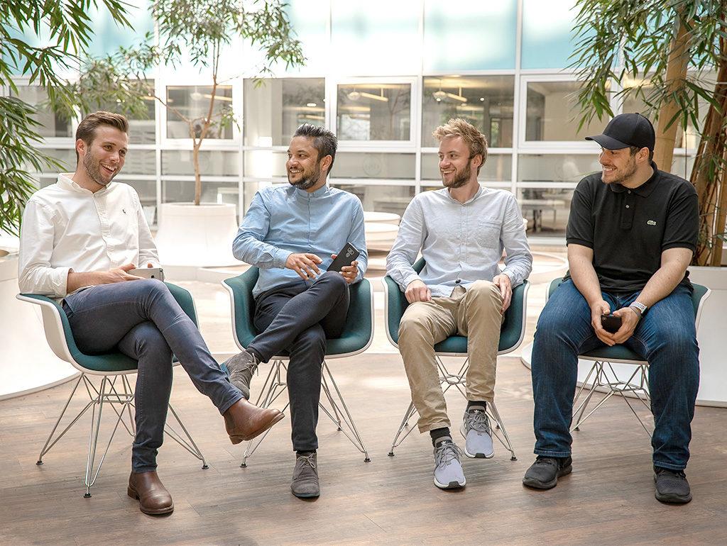 """4 Männer reden Klartext: """"Das suchen wir wirklich auf Tinder!"""""""