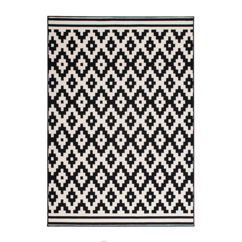 Teppich mit Rautenmuster (ab 28 Euro)