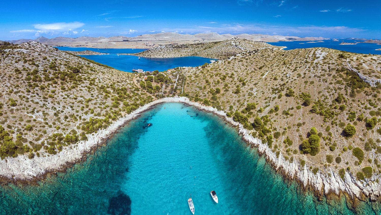 Besonders Nautiker sind vom Nationalpark Kornati mit den vielen unbesiedelten Inseln begeistert.