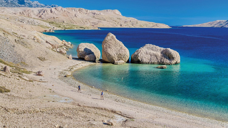 Diese Insel Pag wird wegen des weißen Steins oft auch als Mondinsel bezeichnet.